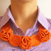 Flower necklace/ Collar de flores