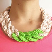 Chain necklace/ Collar de cadena tejida