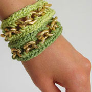 Bracelets with chain/ Pulseras con cadena