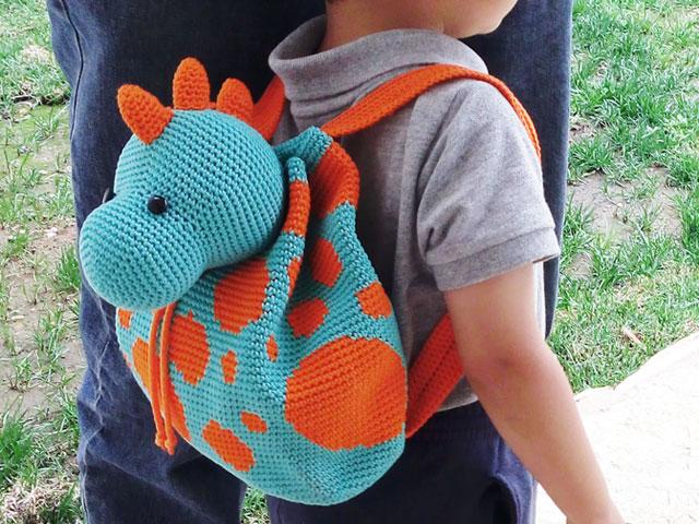 Dino Backpack/ Mochila de dinosaurio