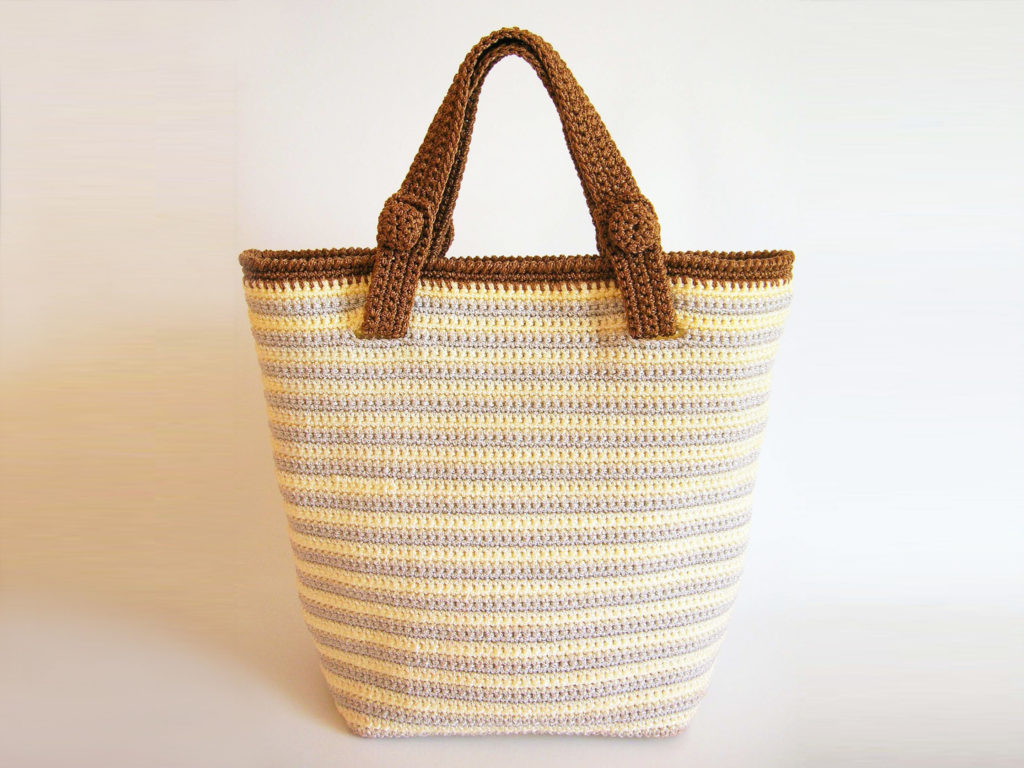 Original striped bag with two handles/Bolso de rayas con dos pares de asas anterior ©Chabepatterns
