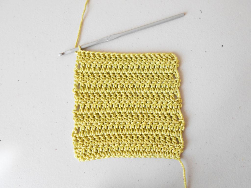 Double crochet, back and forth/ Punto alto, de ida y vuelta